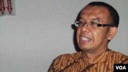 Juru bicara Kementerian Komunikasi dan Informatika Gatot Dewabroto (VOA/Budi Nahaba)