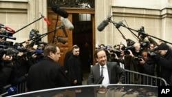 El presidente de Estados Unidos, Barack Obama, llamó a Hollande para felicitarlo por su triunfo en las elecciones.