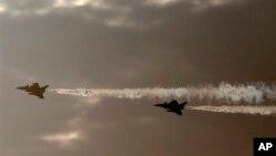 Fransa Doğu Akdeniz'deki tatbikata Rafael savaş uçaklarıyla katılıyor.