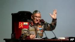 بھارتی فوج کے سربراہ بیپن راوت، فائل فوٹو