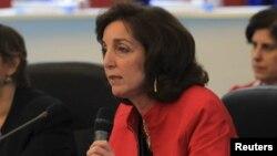 Roberta Jacobson ofreció sus condolencias a Venezuela y a los amigos de Chávez.