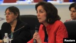 Roberta Jacobson resaltó que los retos de EE.UU. en Latinoamérica giran en torno a la educación, la democracia y la defensa de los derechos humanos.