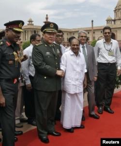 2012年9月4日中国国防部长梁光烈和印度国防部长安东尼在新德里(资料照片)