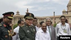 中國國防部長梁光烈星期二在新德里與印度外長安東尼會晤