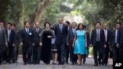 Prezident Obama Vyetnamga safari chog'ida. 23-may, 2016-yil.