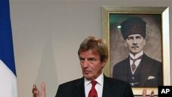 French Foreign Minister Bernard Kouchner speaks to the media in Ankara, 12 Oct 2010