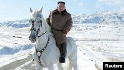 Ким Чен Ын (архивное фото)