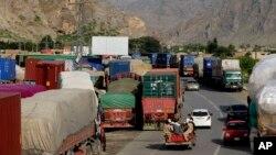 نزدې دوه اوونۍ وړاندې کابل د پاکستان او افغانستان د ټرانزټ همکارۍ کېدونکې غونډه هم ځنډولې وه،