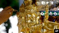 Sebuah upacara Hindu di Bangkok, Thailand, Jumat (4/9).
