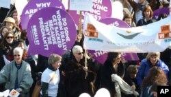 2001年3月8号英国伦敦妇女纪念三八妇女节100周年