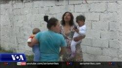 Tiranë: Vështirësitë e komunitetit rom dhe mungesa e fëmijëve në shkolla