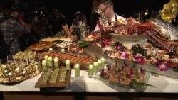 美国万花筒:奥斯卡晚宴中式美食受欢迎;106岁人瑞完成终身梦想