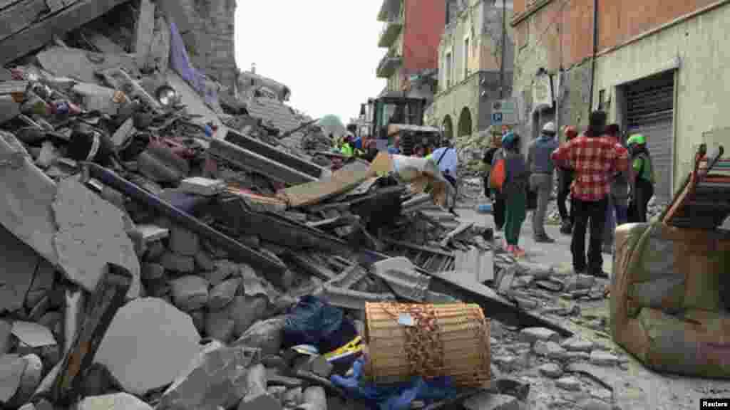 اٹلی کے وسطی علاقے میں بدھ کی صبح 6.2 کی شدت کا شدید زلزلہ آیا۔