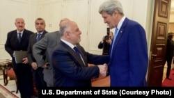 Прем'єр-міністр Іраку Гайдар аль-Абаді привітав державного секретаря США Джона Керрі у Багдаді.
