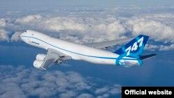 2010208 747-8 First Flight Everett WA