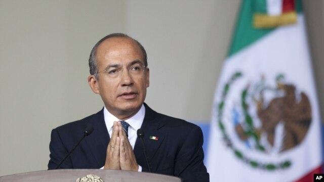 El expresidente Felipe Calderón ya está en el proceso de establecer su residencia en Estados Unidos.
