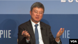 國際貨幣基金組織副總裁朱民在皮特森國際經濟研究中心演講(美國之音任禺陽拍攝)