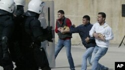 آرشیف: نمادی از برخورد های فلسطینیان با عساکر اسراییلی در نوار غزه