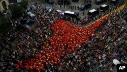 رفراندوم استقلال کاتالونیا در میان سرکوب شدید پلیس اسپانیا برگزار شد