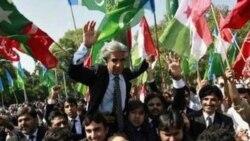 تجمع گروهی از حقوقدانان پاکستانی در اعتراض به کشته شدن بن لادن