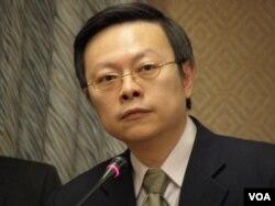 台湾陆委会主委王郁琦(美国之音申华拍摄)