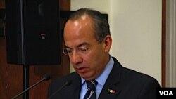 """Calderón aseguró que conversar con familias de personas que han sido víctimas del crimen en su país fue una experiencia """"aleccionadora""""."""