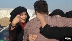 Iroq Kurdistonida terroristlar qo'lidan qutqarilgan ayollar yaqinlari bilan ko'rishmoqda