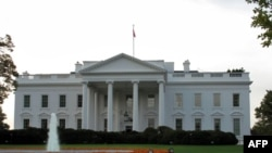 白宫曾表示计划到2013年时将赤字减半