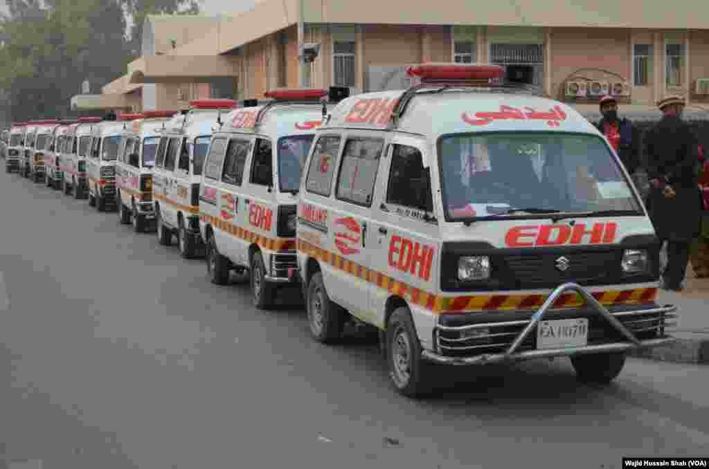 جمعرات کی صبح لاشیں ایبٹ آباد کے ایوب میڈیکل کمپلیکس سے اسلام آباد پہنچائی گئیں۔