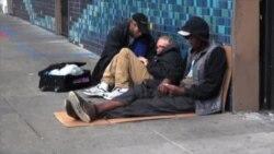 旧金山慈善大巴为无家可归者提供淋浴服务