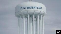 """""""El agua de Flint ahora parece estar entrando en un rango que se considera normal para las ciudades de Estados Unidos"""", dijo un investigador."""