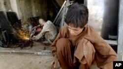 پاکستان میں جبری مشقت کرنے والے بچوں کی تعداد کم از کم ایک کروڑ