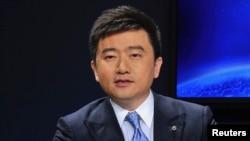 Ông Nhuế Thành Cương, người dẫn các chương trình tài chính nổi tiếng trên kênh truyền hình trung ương CCTV, đã bị cảnh sát bắt giữ.