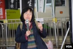 進步教師同盟召集人施安娜表示,學好普通話不代表中文語文能力好。(美國之音湯惠芸攝)