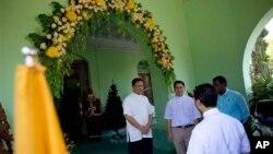 ကာဒီနယ္ဘုန္းေတာ္ႀကီးအျဖစ္ ေရြးခ်ယ္ျခင္းခံရသူ Charles Maung Bo (ဝဲ) ဇန္နဝါရီ ၅၊ ၂၀၁၅။