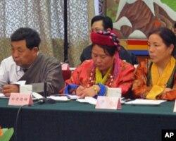 出席会议的藏族代表
