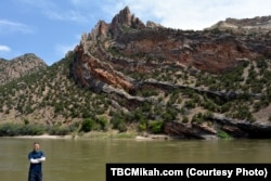 """""""Rock ripples"""" that have been weathered by water and wind at Dinosaur National Monument are found along the shore of the park's rivers."""
