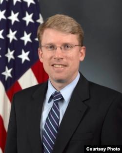 美国国防部代理助理部长海大卫(美国国防部图片)