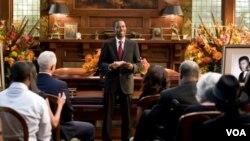 Chris Rock (tengah) membintangi film komedi Death at a Funeral.