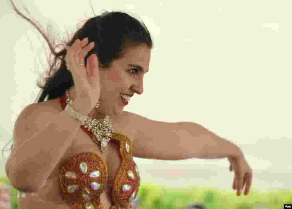 Танцовщица belly dance
