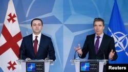 Премьер-министр Грузии Ираклий Гарибашвили и Генеральный секретарь НАТО Андерс Фог Расмуссен