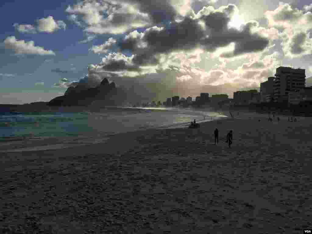 سواحل ریو غروب زیبایی دارد.