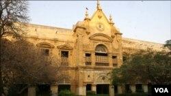 قدیم ترین لیڈی ڈیفرن اسپتال کی عمارت