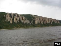 西伯利亚主要河流勒拿河风光。