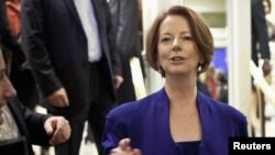 PM Australia Julia Gillard menantang saingannya, mantan PM Kevin Rudd untuk ikut pemilihan calon pemimpin partai mereka, Partai Buruh Australia (Foto: dok).