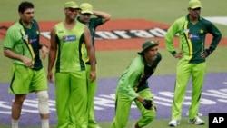 پاکستانی کھلاڑی جسمانی مشقوں میں مصروف