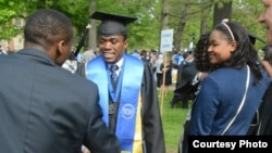 Hatinawedu Mupiwa with friends and relatives soon after graduating at Berea College, USA.