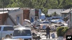 2015年5月7日恶劣天气袭击俄克拉何马城后留下的废墟