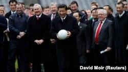 Phó Chủ tịch Trung Quốc Tập Cận Bình thăm Sân vận động Croke Park ở Dublin, Ireland, ngày 19/2/2012 (Ảnh tư liệu)
