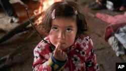 19.000 em bé đang bị mắc kẹt ở Hy Lạp và 10% những em này không có người lớn trong gia đình đi cùng và cần được sự chăm sóc đặc biệt.